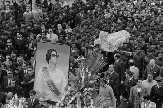 Umm_Kulthum_funeral